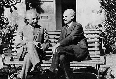Einstein-and-Eddington-real