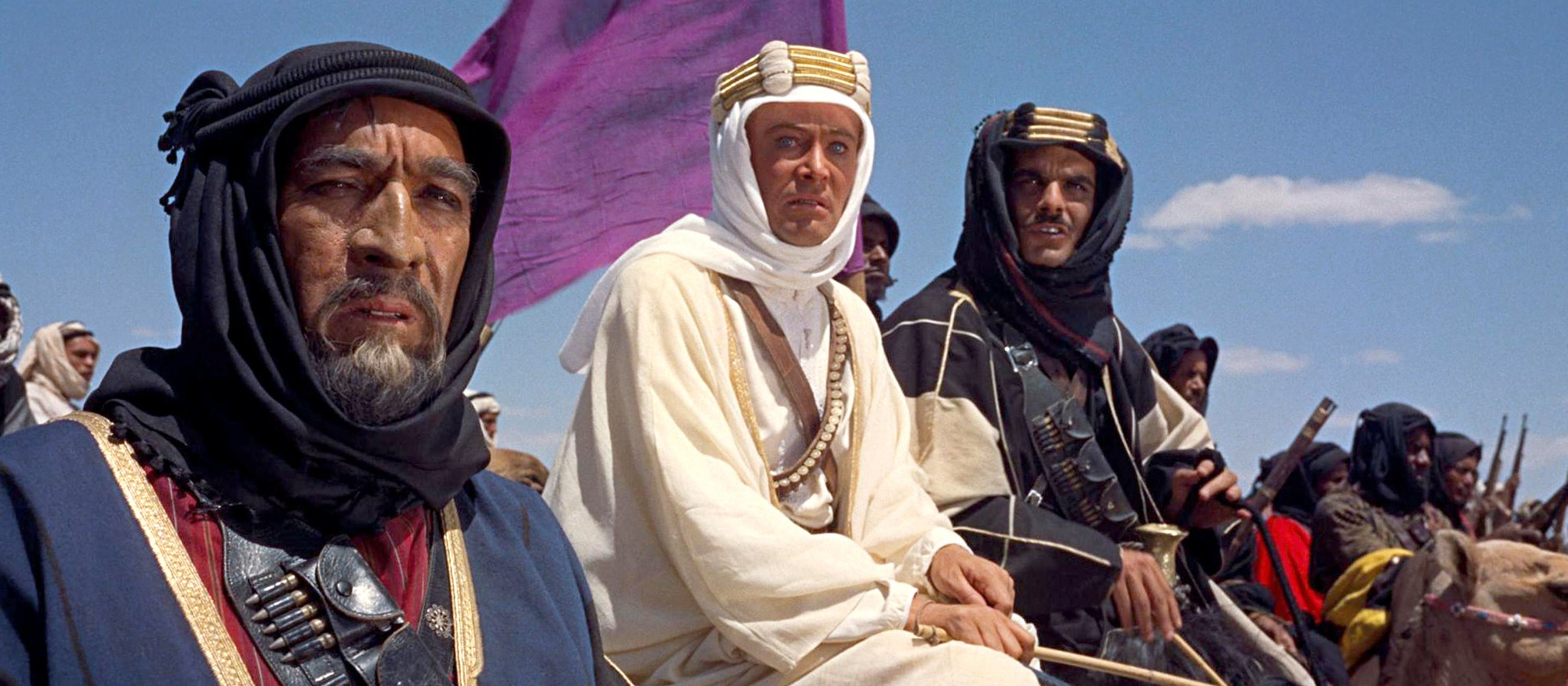 https://greatwarfilms.files.wordpress.com/2015/07/lawrence-of-arabia-2.jpg